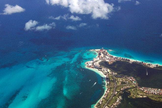 cancun-from-the-air-1410342-min