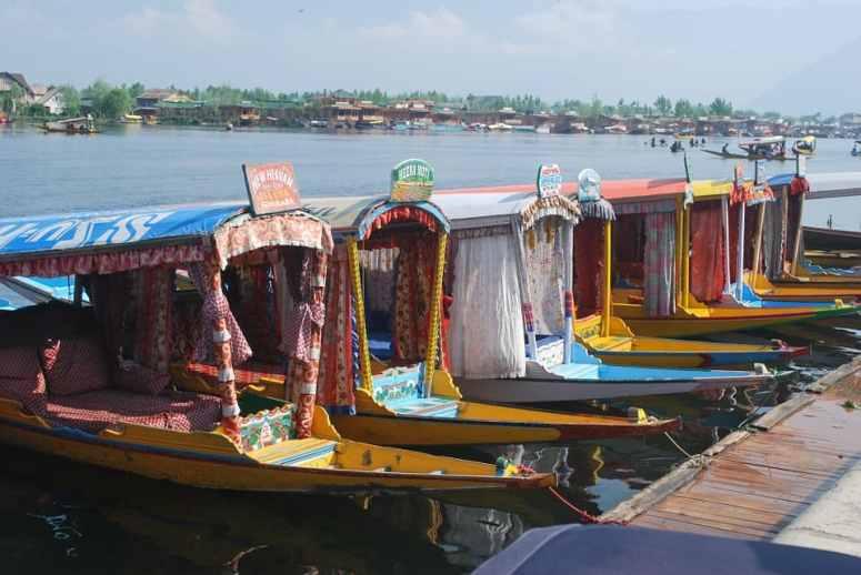 kashmir-boat-642167_960_720-min