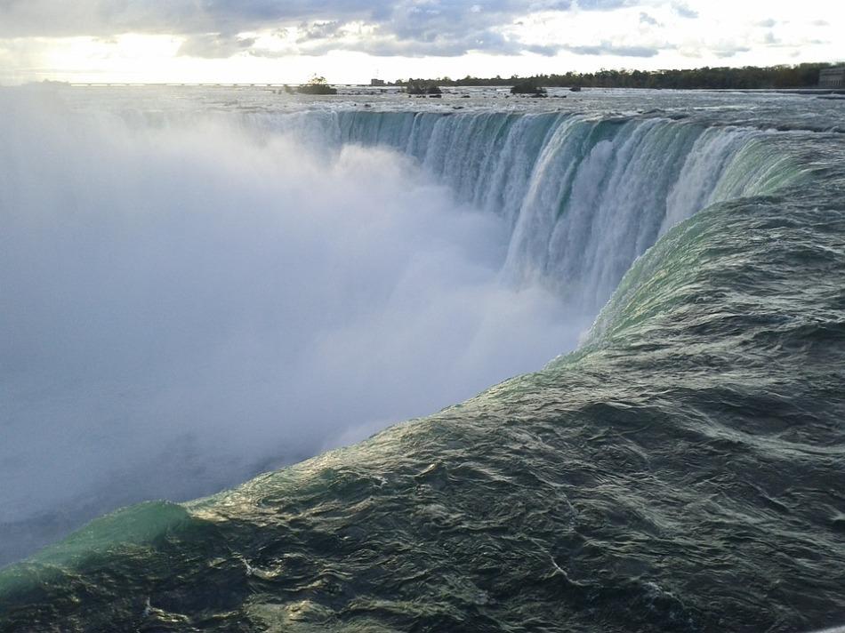 niagara-falls-2148028_960_720