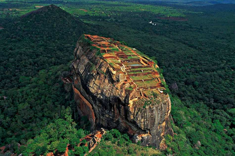 sigiriya-by-air