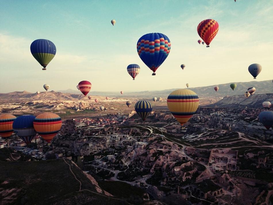 cappadocia-805624_960_720-min