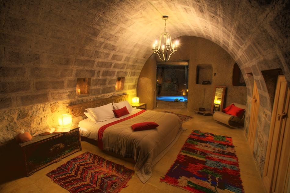 cave hotel-min