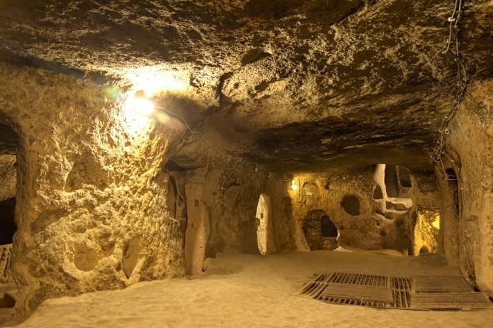 Kaymakli-Underground-City-Nevsehir-Turkey-min