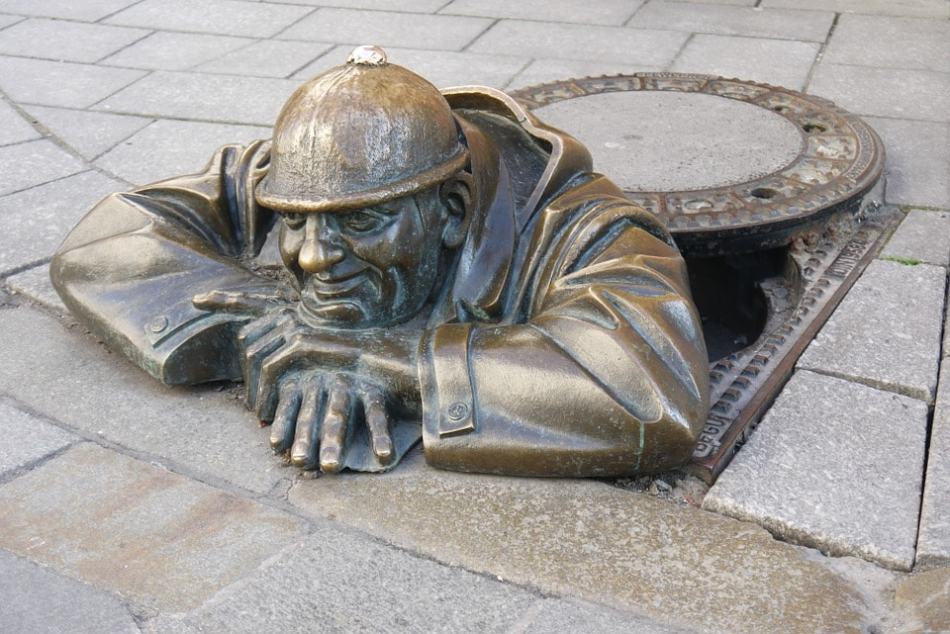 sculpture-1007990_960_720-min