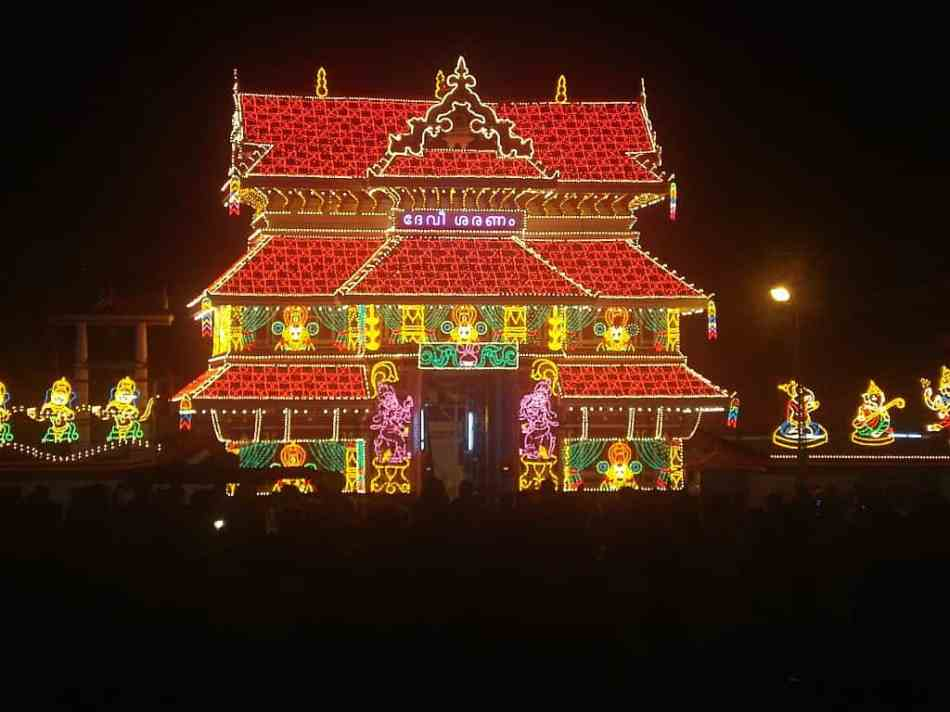 Thrissur Pooram Temple Wallpaper - 1-min