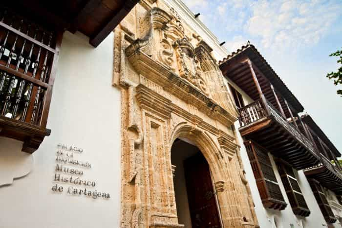 turismo_palacio_inquisicion-min