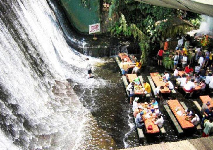 Villa-Escudero-Waterfalls-Restauran-min
