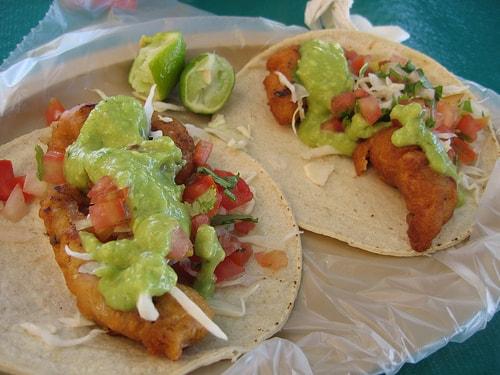 Tacos_de_pescado_Ensenada.-min