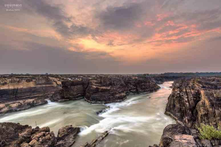 waterfalls2-min