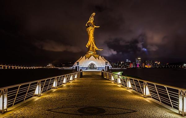 kun-iam-statue