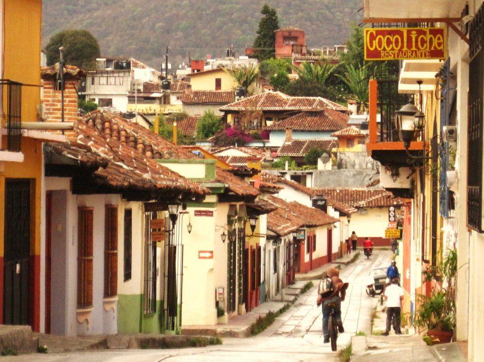 San_Cristóbal_de_Las_Casas,_CHIS,_Mexico-min