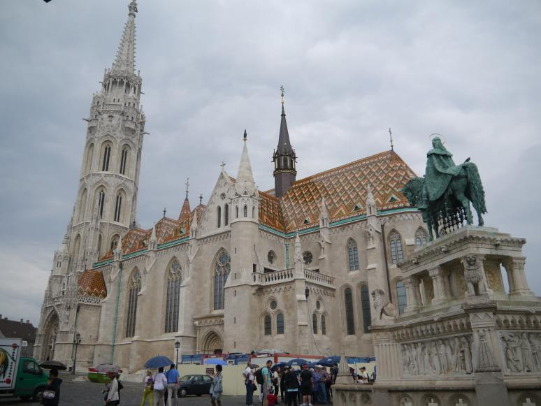 Budapest_Matthiaskirche_2-min