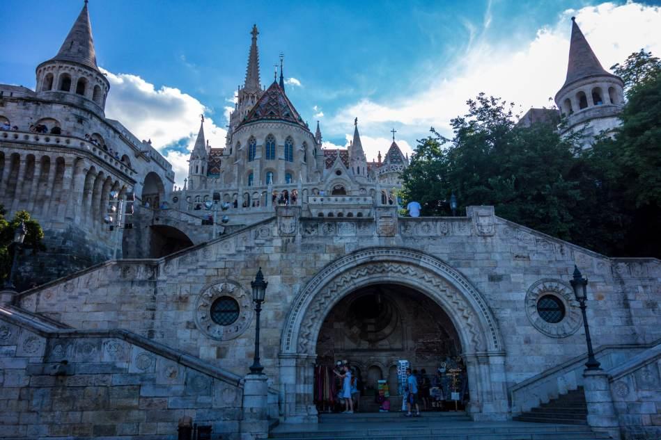 Fisherman's_Bastion,_Hungary_-_Budapest_(28388298082)-min (1)