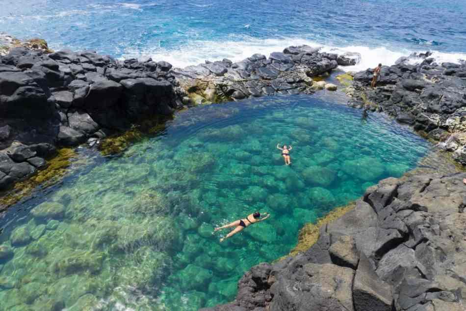 Hawaii-Kauai-Queens-bath-min